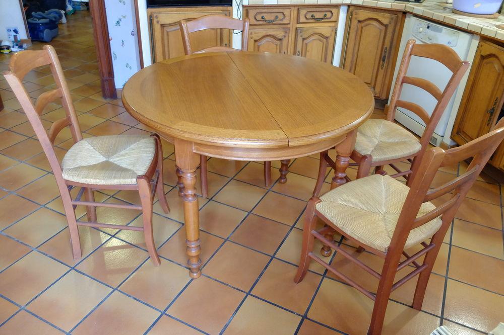 Table ronde avec rallonge en chêne massif et 4 chaises 400 Noé (31)