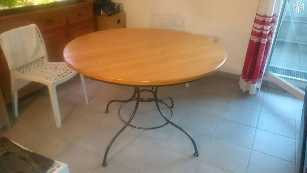 Tables ronde occasion en haute garonne 31 annonces achat et vente de tables ronde paruvendu - Table ronde bois et fer forge ...