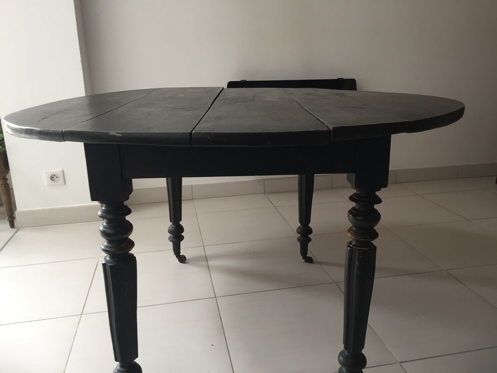 Table ronde bois  150 Ormes (51)