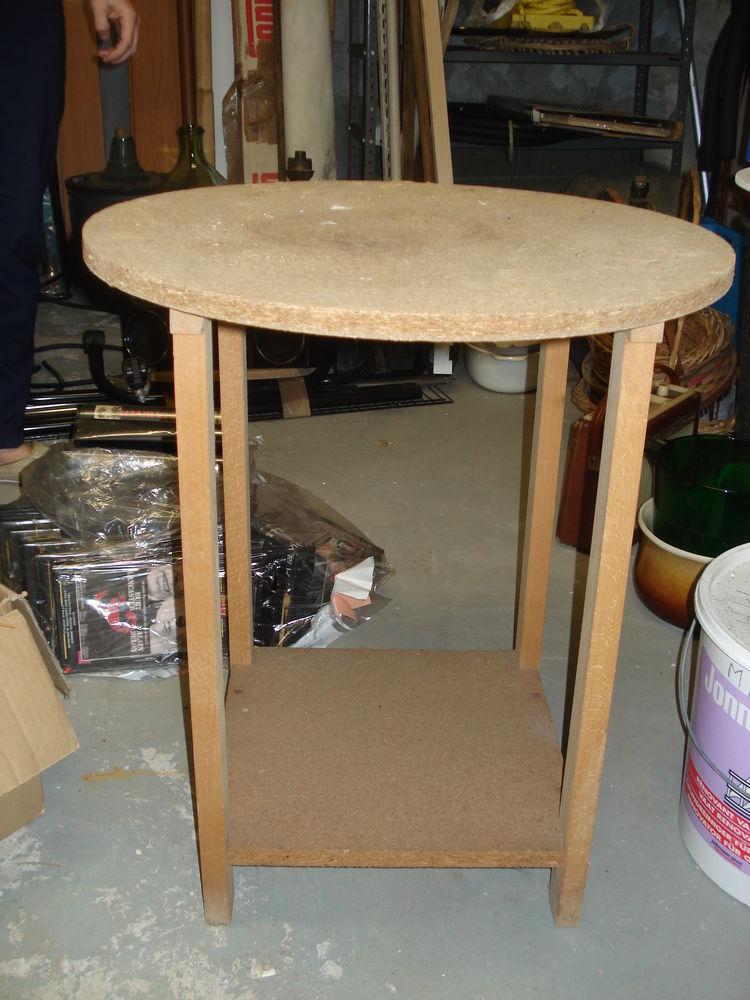 table ronde en bois faite à la main 0 Mérignies (59)