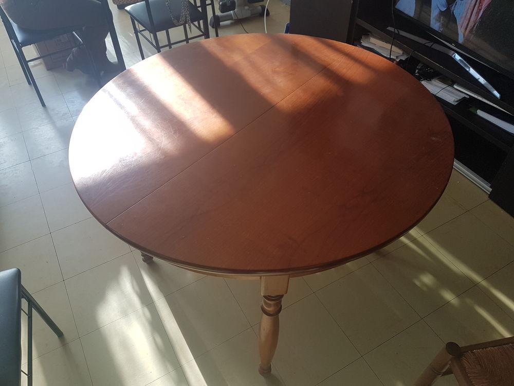 Table ronde en bois 150 Villetaneuse (93)