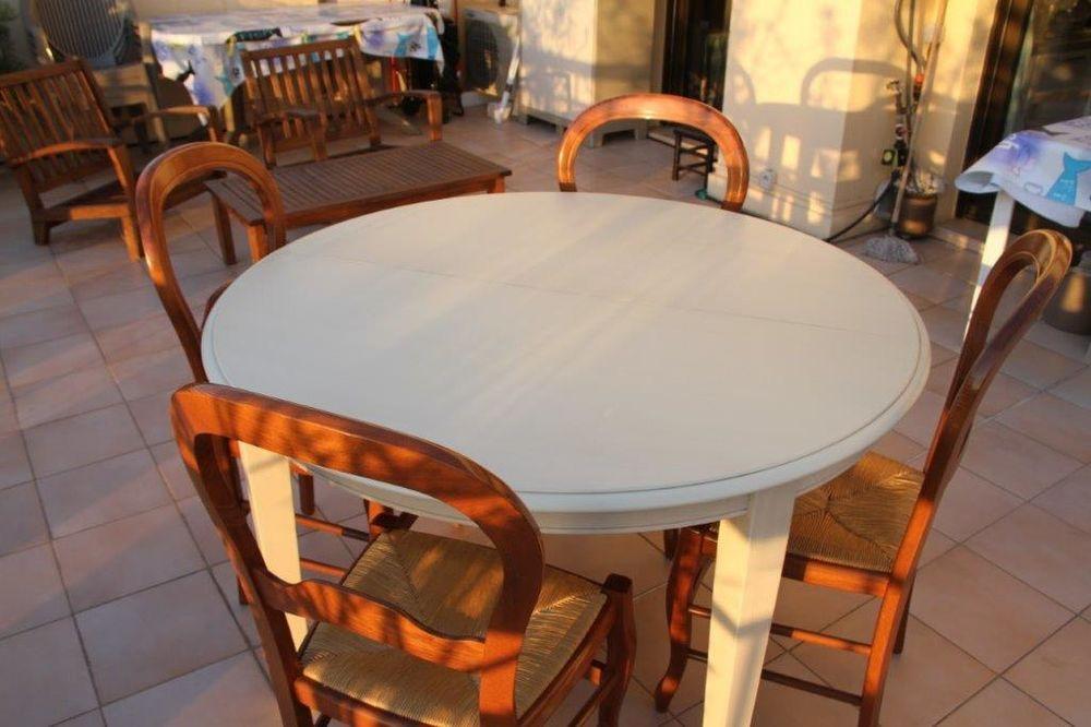TABLE RONDE +  CHAISES 0 Fréjus (83)