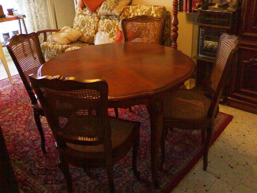 Table ronde, + Chaises, en Merisier, en très bon état.  500 Aix-en-Provence (13)