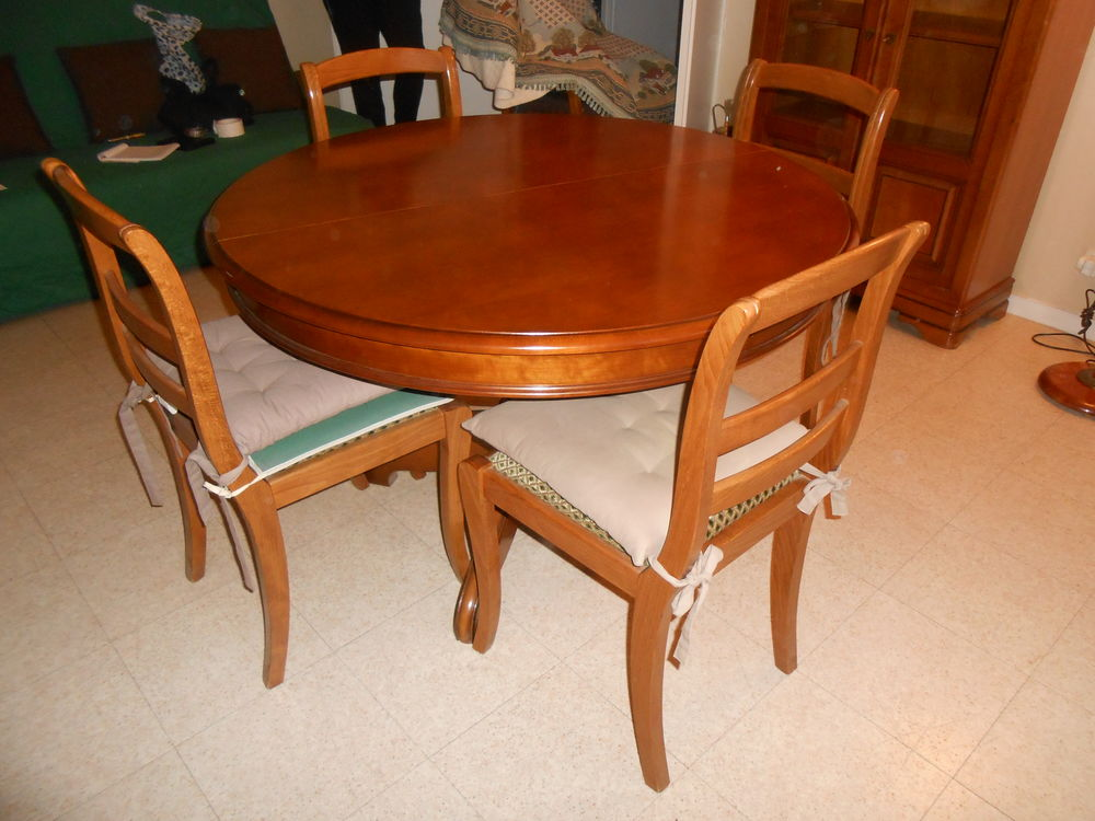 table ronde +4 chaises 250 Gonesse (95)