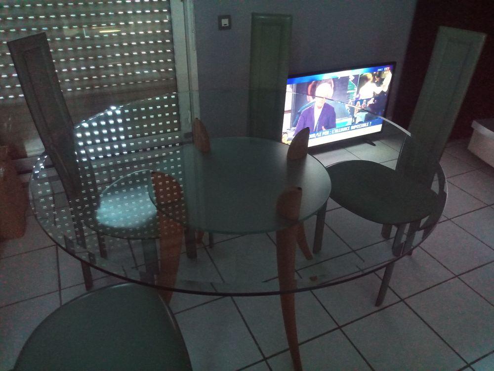 Table ronde+4 chaises 500 Le Perreux-sur-Marne (94)
