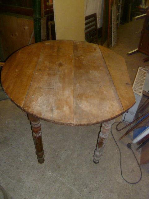 TABLE RONDE DE CUISINE  40 Six-Fours-les-Plages (83)