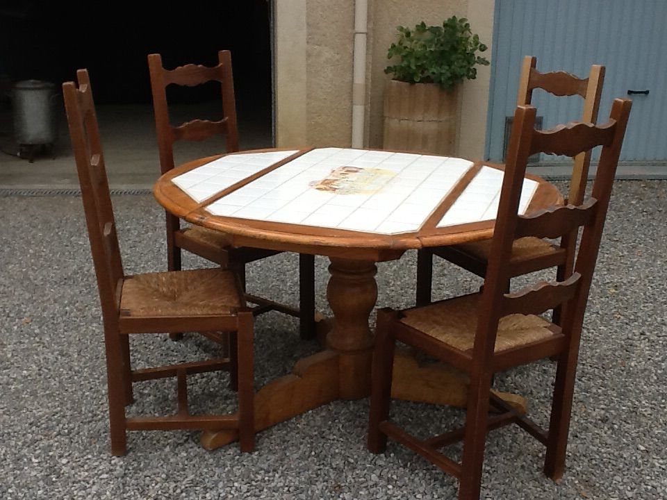 Achetez Table Ronde Occasion Annonce Vente A Le Poet 05 Wb164502072