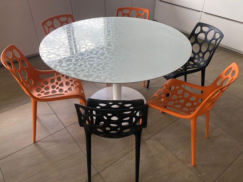 Table ronde design plateau verre Mobliberica 450 Roussillon (38)