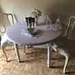 table ronde et deux chaises Meubles