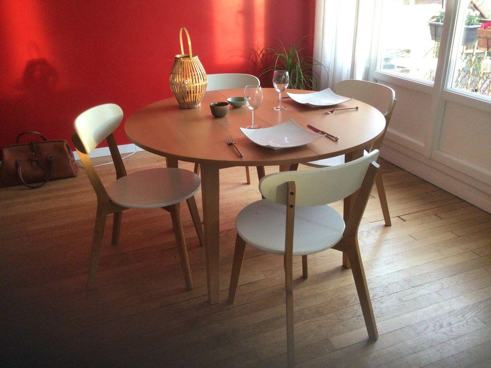 Table ronde extensible et 4 chaises  420 Antony (92)
