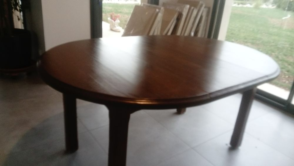 Table ronde en massif diam 110 cm 100 La Malène (48)
