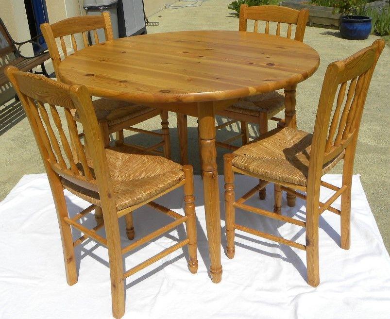 Table ronde pin massif et ses 4 chaises paillées 70 Plouër-sur-Rance (22)