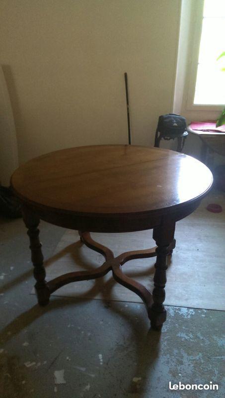 Achetez table ronde merisier occasion annonce vente for Table ronde noire avec rallonge