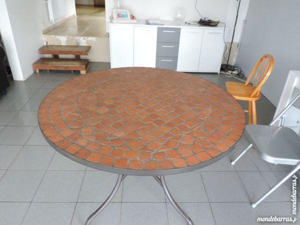 Achetez table ronde mosaique occasion, annonce vente à Cesson (77 ...