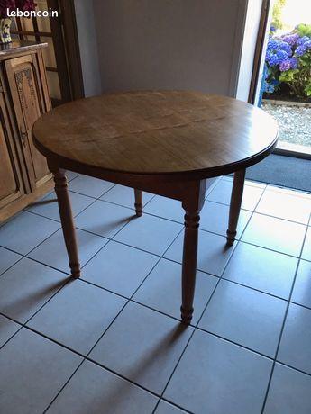 Table ronde neuve en bois. Diamètre 1 mètre - sans rallonge 0 Bénodet (29)