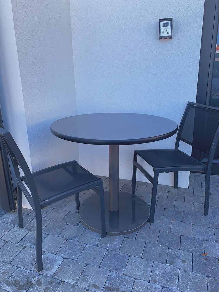 Table ronde noire 85 Les Sables-d'Olonne (85)