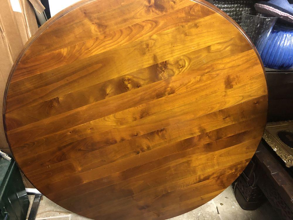 Table ronde ( ovale avec les rallonges) en merisier massif  200 Gassin (83)