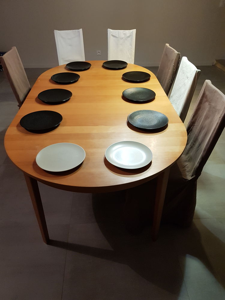 Table ronde 10 pers + 6 chaises 140 Chaponost (69)