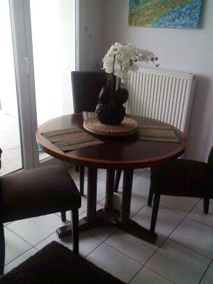 TABLE RONDE 4 PERSONNES IGNIFUGEE, EN BOIS D'ACACIA 600 Strasbourg (67)