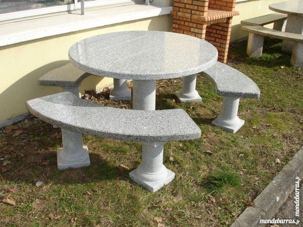 Table ronde en pierre granit gris 1350 Annecy (74)