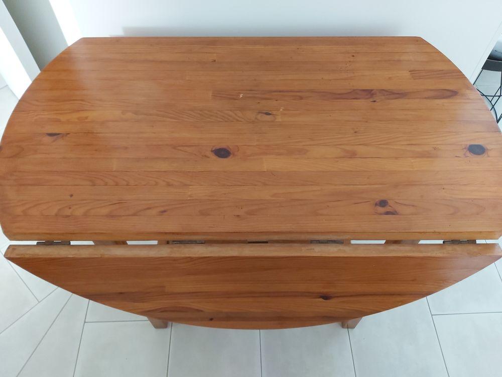 Table ronde pliable  15 Boulouris (83)