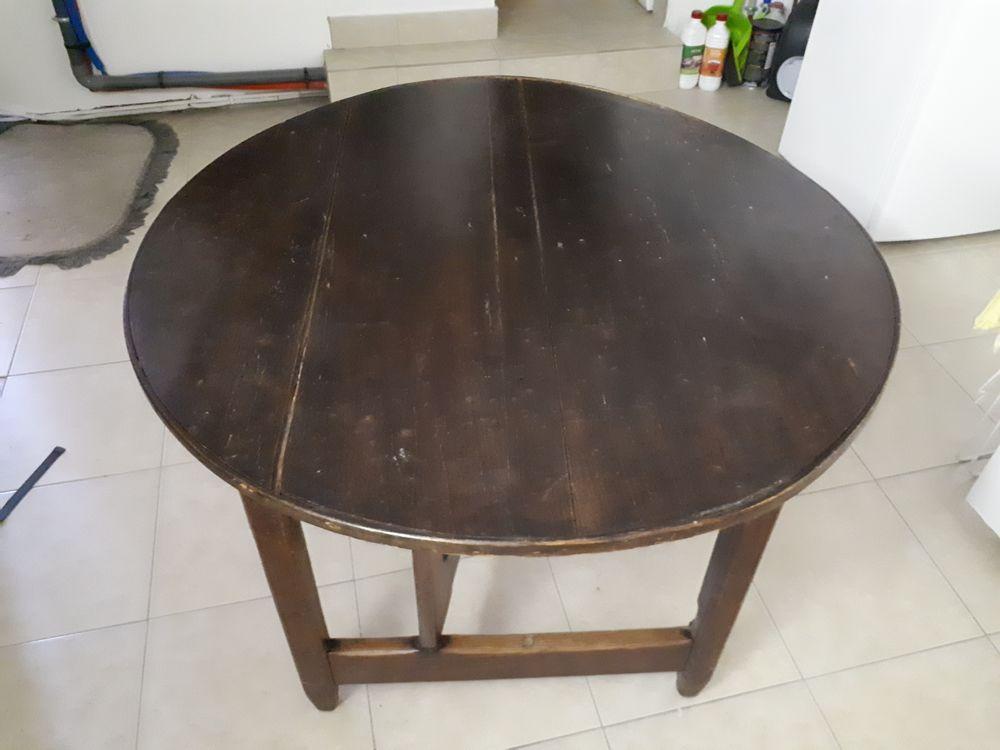 TABLE RONDE PLIANTE piètement original 0 Bages (66)