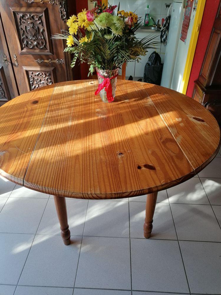 TABLE  RONDE PLUS 4 CHAISES TBE 50 Nomain (59)