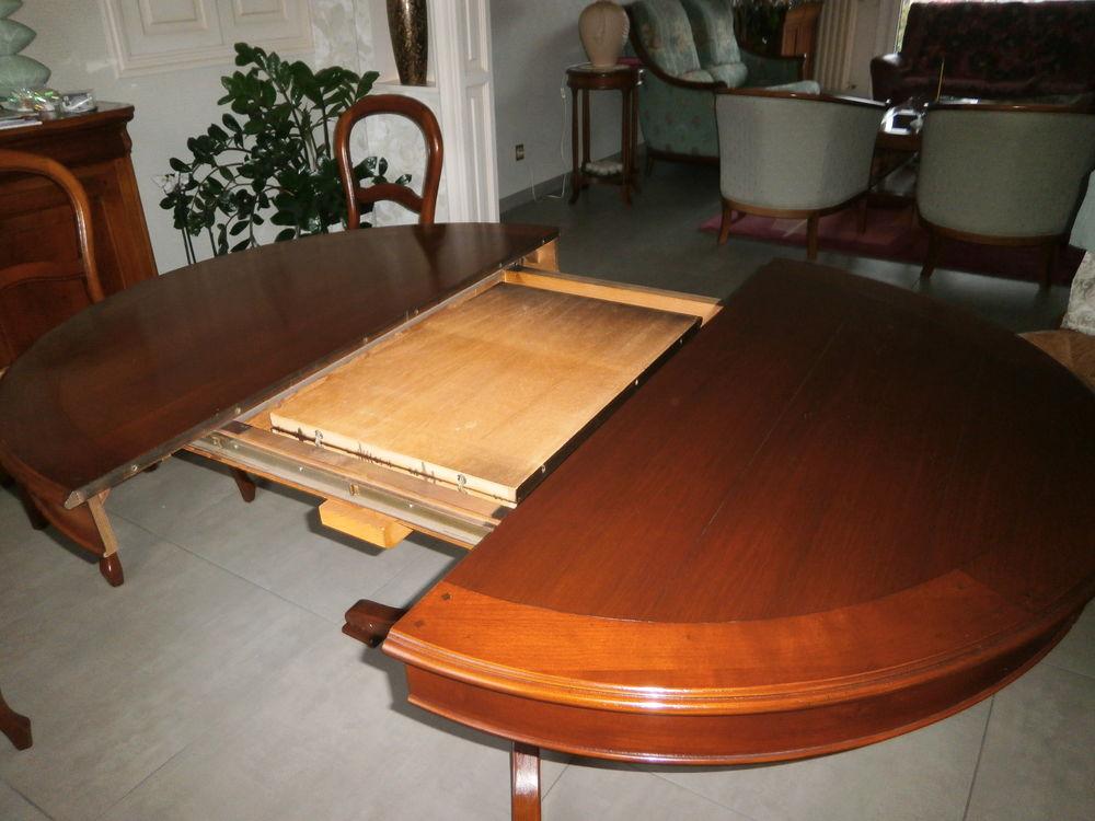 table ronde de salle a manger 0 Riom (63)