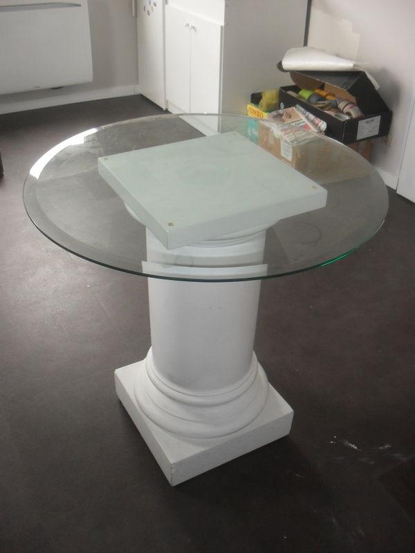 table ronde en verre et staff 175 Angers (49)