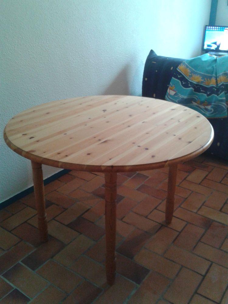 Table ronde en pin 55 Draveil (91)