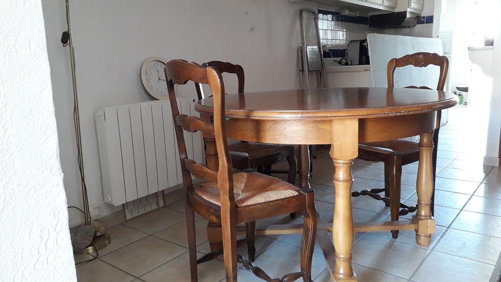 table ronde 130 Saintes-Maries-de-la-Mer (13)
