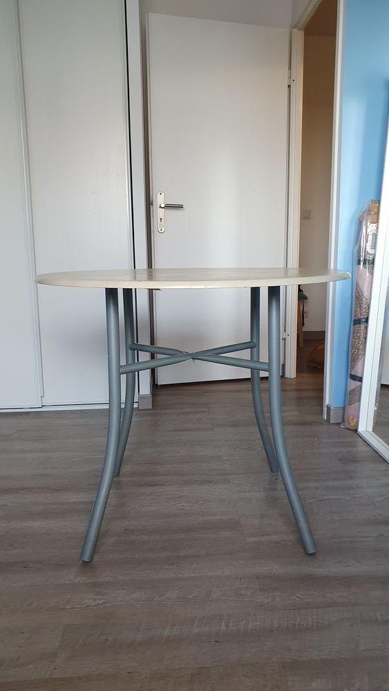 Table ronde 40 Moissy-Cramayel (77)