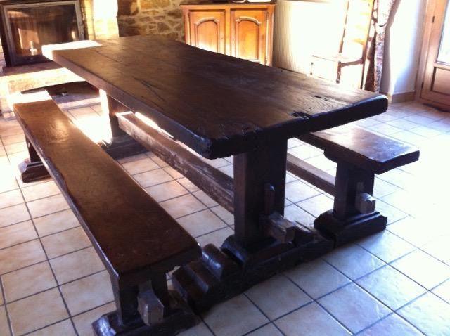 - TABLE RUSTIQUE avec BANCS. COFFRE chêne massif. 0 Matignon (22)