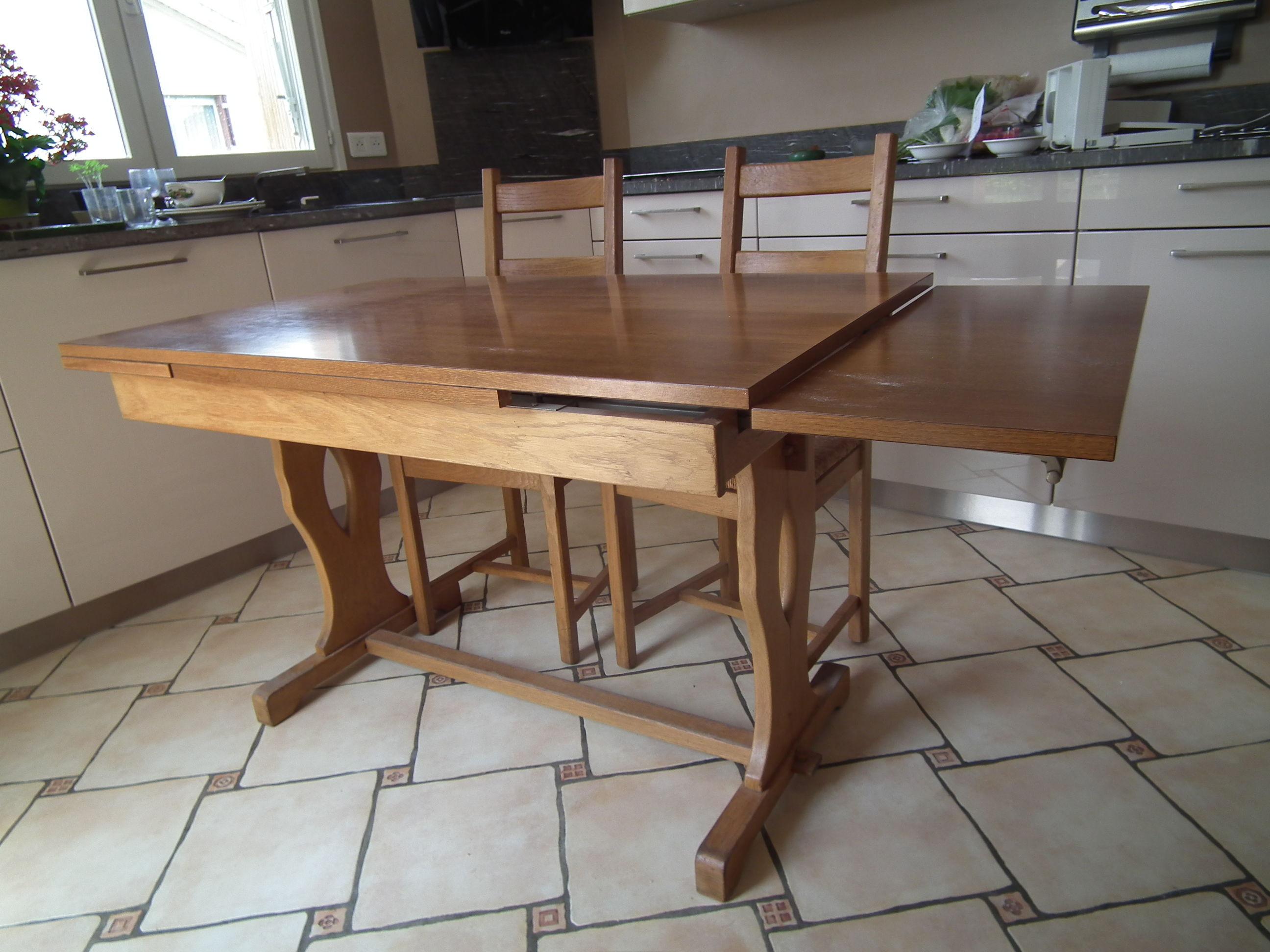 Table rustique de cuisine  +4  chaises et 2 tabourets 200 Deuil-la-Barre (95)