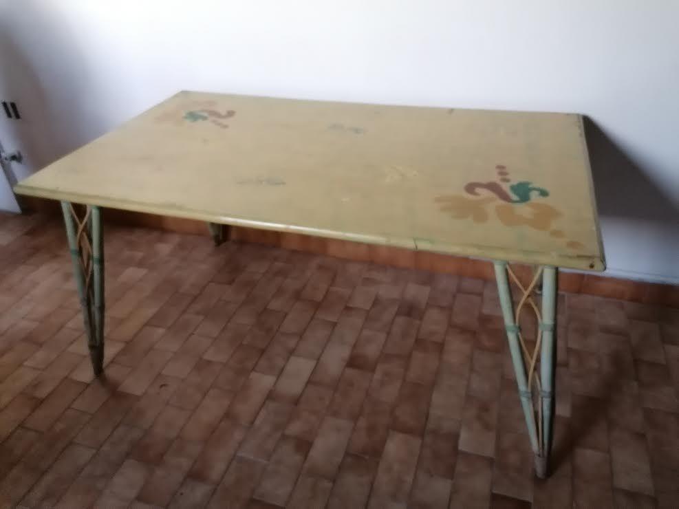 Table salle à anger en rotin 35 Aigues-Mortes (30)