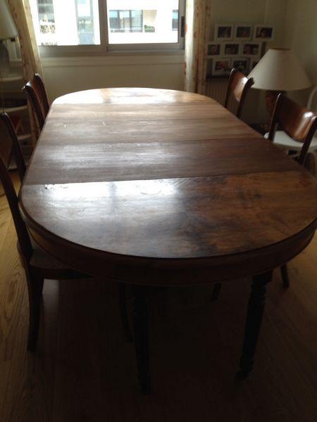 Achetez table de salle occasion annonce vente for Table de salle a manger 14 personnes