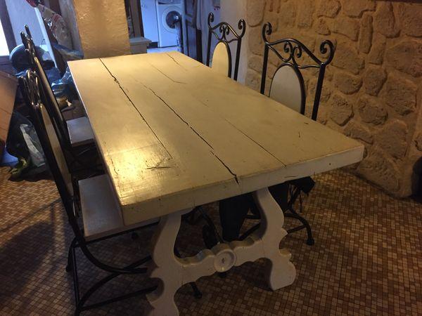 Achetez Table Salle A Manger Occasion Annonce Vente A Combs La