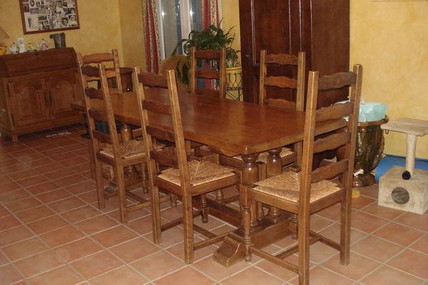 table de salle à manger + chaises 300 Solliès-Ville (83)