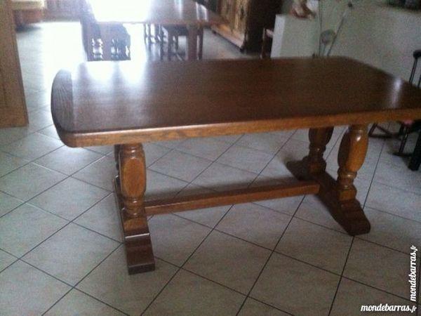 TABLE DE SALLE A MANGER EN CHENE MASSIF 1 m80 x90 140 Thionville (57)