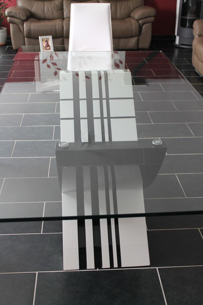 tables hautes occasion dans la vienne 86 annonces achat et vente de tables hautes paruvendu. Black Bedroom Furniture Sets. Home Design Ideas