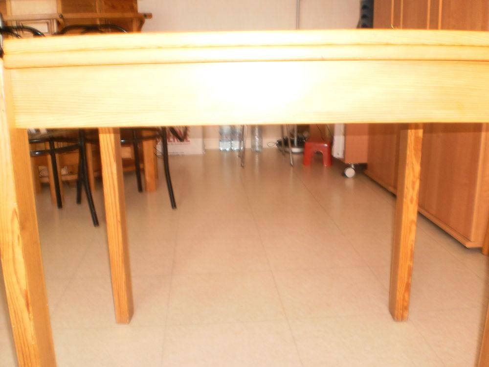 TABLE SALLE A MANGER  50 Le Pré-Saint-Gervais (93)