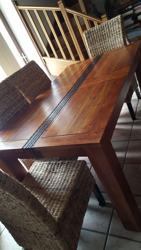 Table Salle A Manger Acacia Massif Bois Et Chiffon