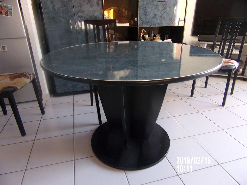 TABLE SALLE A MANGER 0 Montélimar (26)