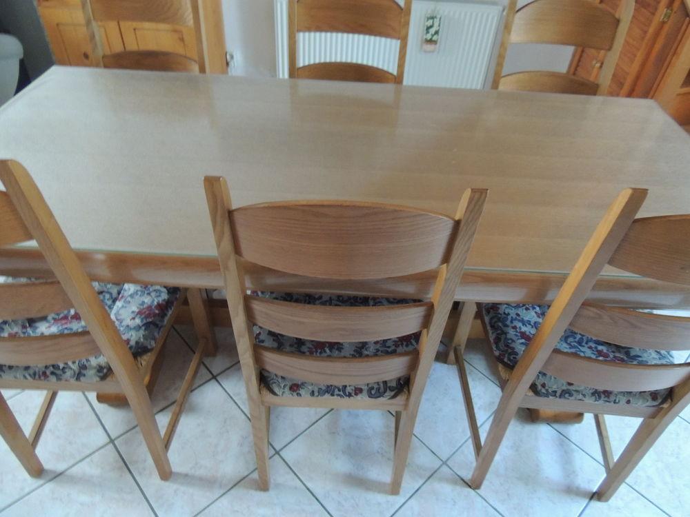table salle à manger avec 6 chaises 150 Calais (62)