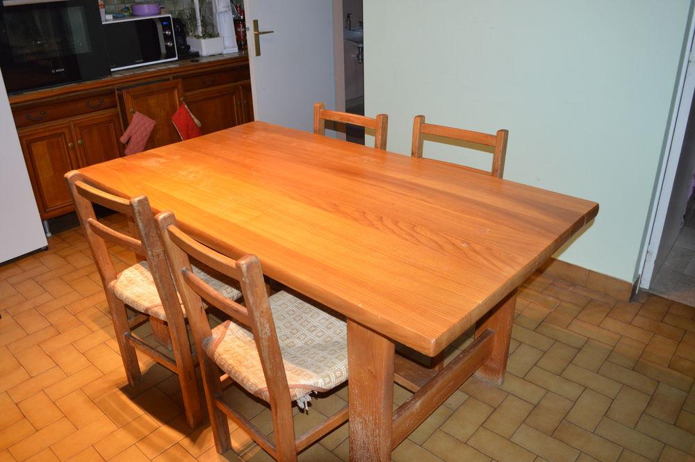 Table de Salle à Manger 6 personnes en Orme massif 350 Pont-Saint-Martin (44)