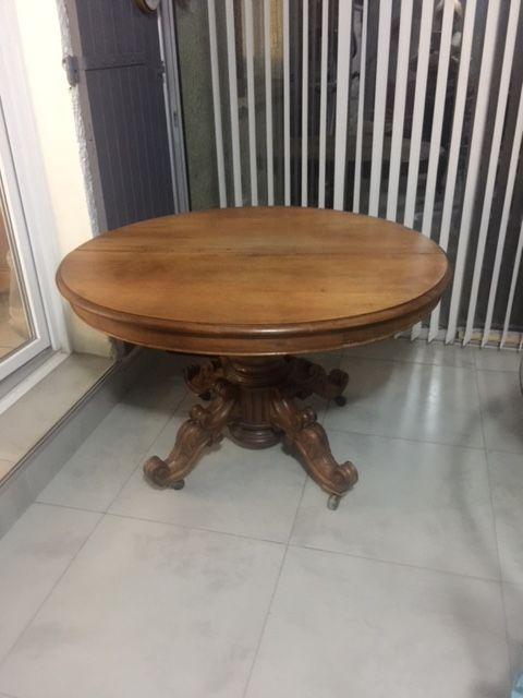 Table de salle à manger en noyer Meubles