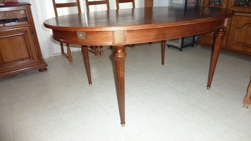 Table de salle à manger en acajou massif   45 Ambarès-et-Lagrave (33)