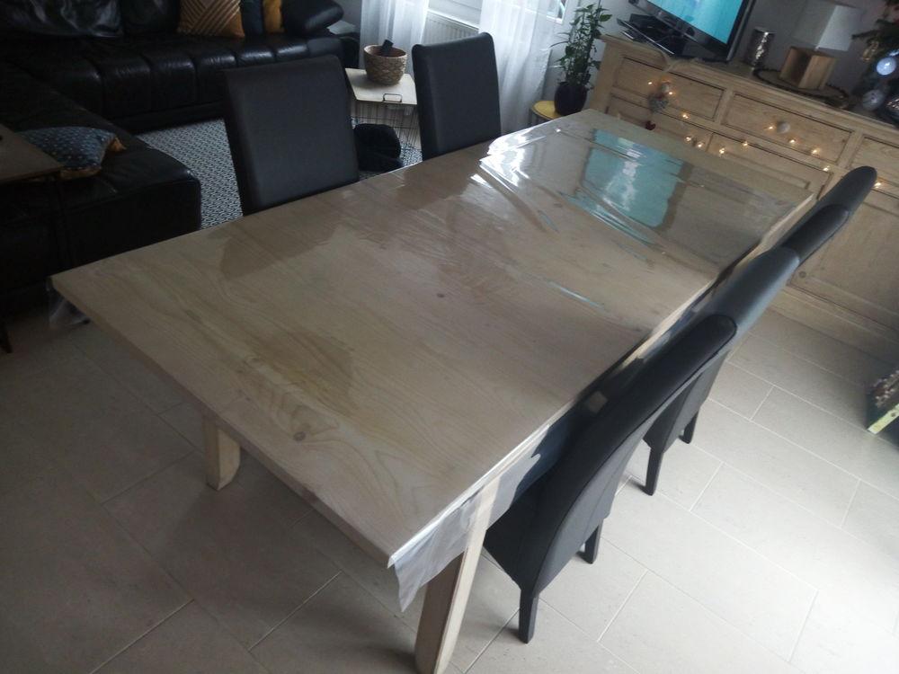 Table salle a manger en pin avec 6 chaises en cuir 800 Hœrdt (67)