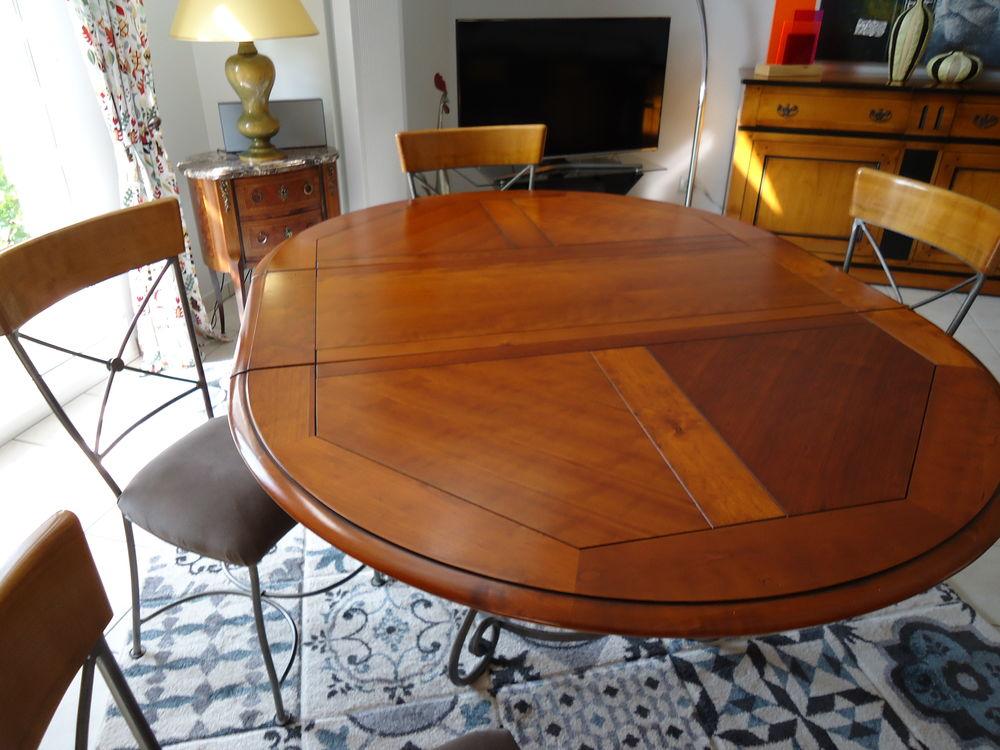 table salle à manger  0 Saint-Jean-de-la-Ruelle (45)
