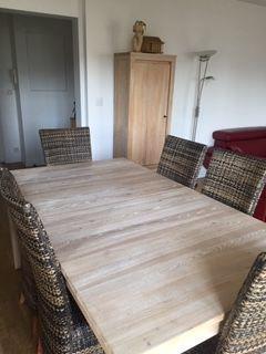 Table de salle à manger H et H en orme massif 549 Levallois-Perret (92)